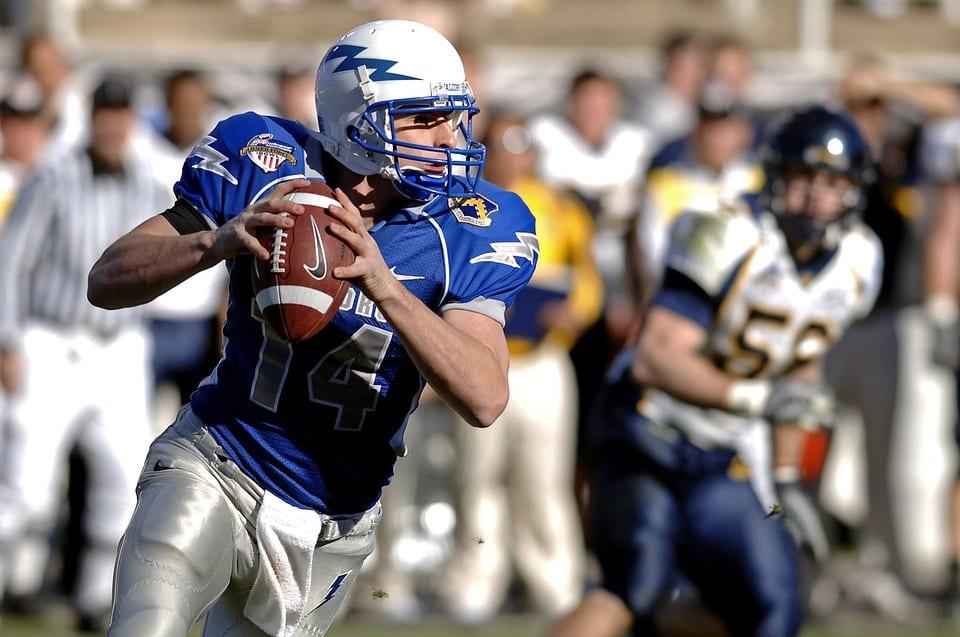 quarterback-67701_960_720